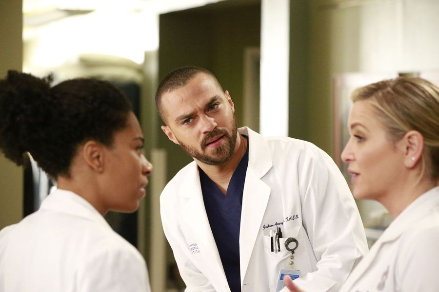 BWW Recap: Everyone\'s Got Secrets on this Week\'s GREY\'S ANATOMY