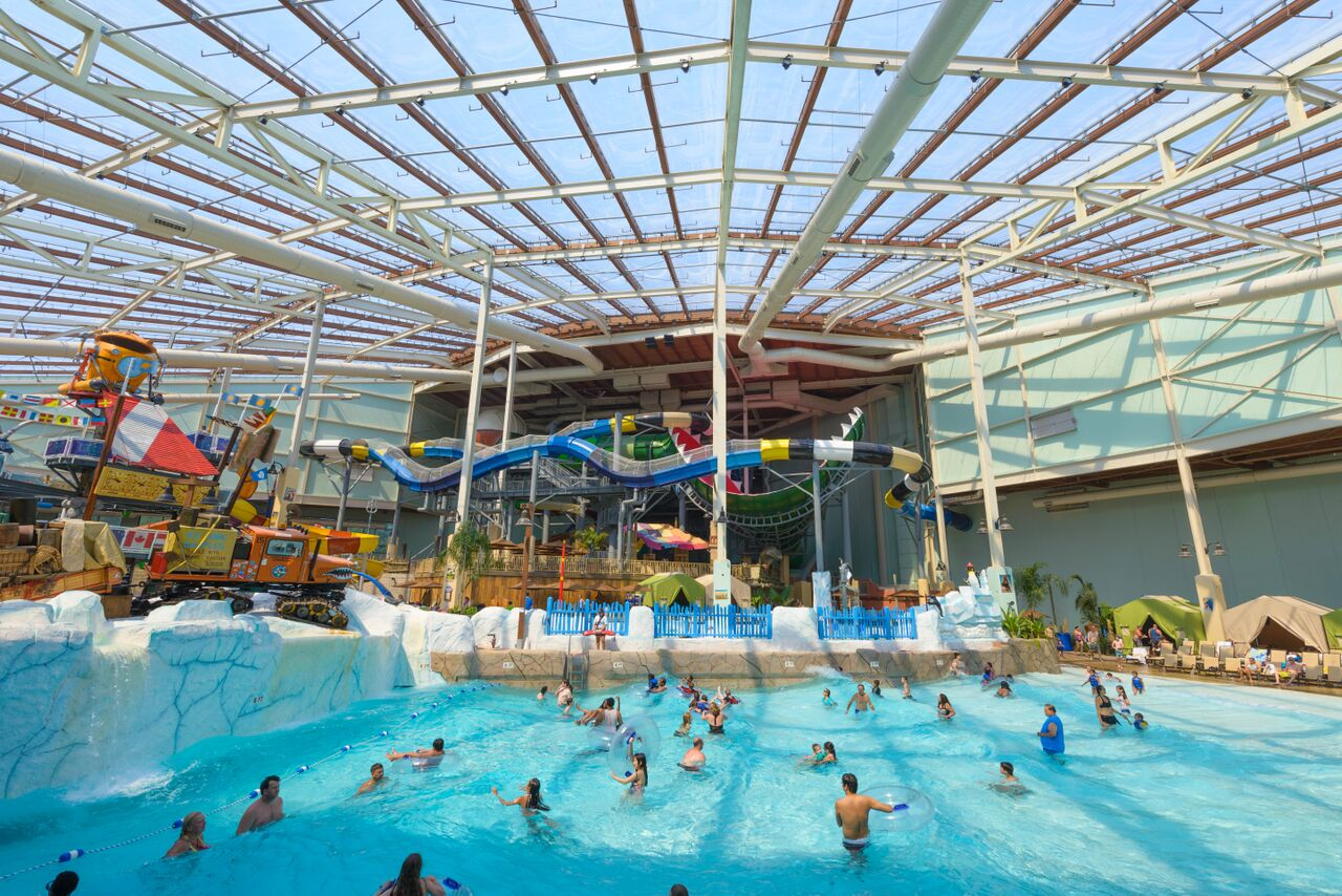 Bww preview easter events at camelback lodge aquatopia indoor waterpark for Public swimming pools in little rock ar