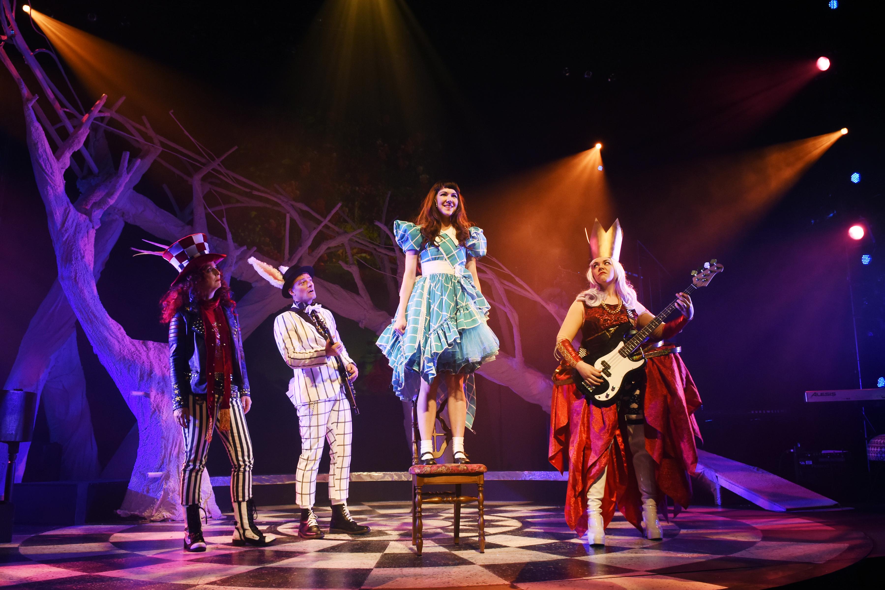 BWW Review: WONDERLAND: ALICE'S ROCK & ROLL ADVENTURE at Childsplay