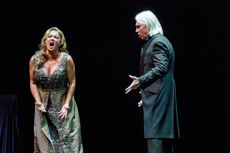 BWW Review: Opera Superstar ANNA NETREBKO Dazzles in Canadian Debut