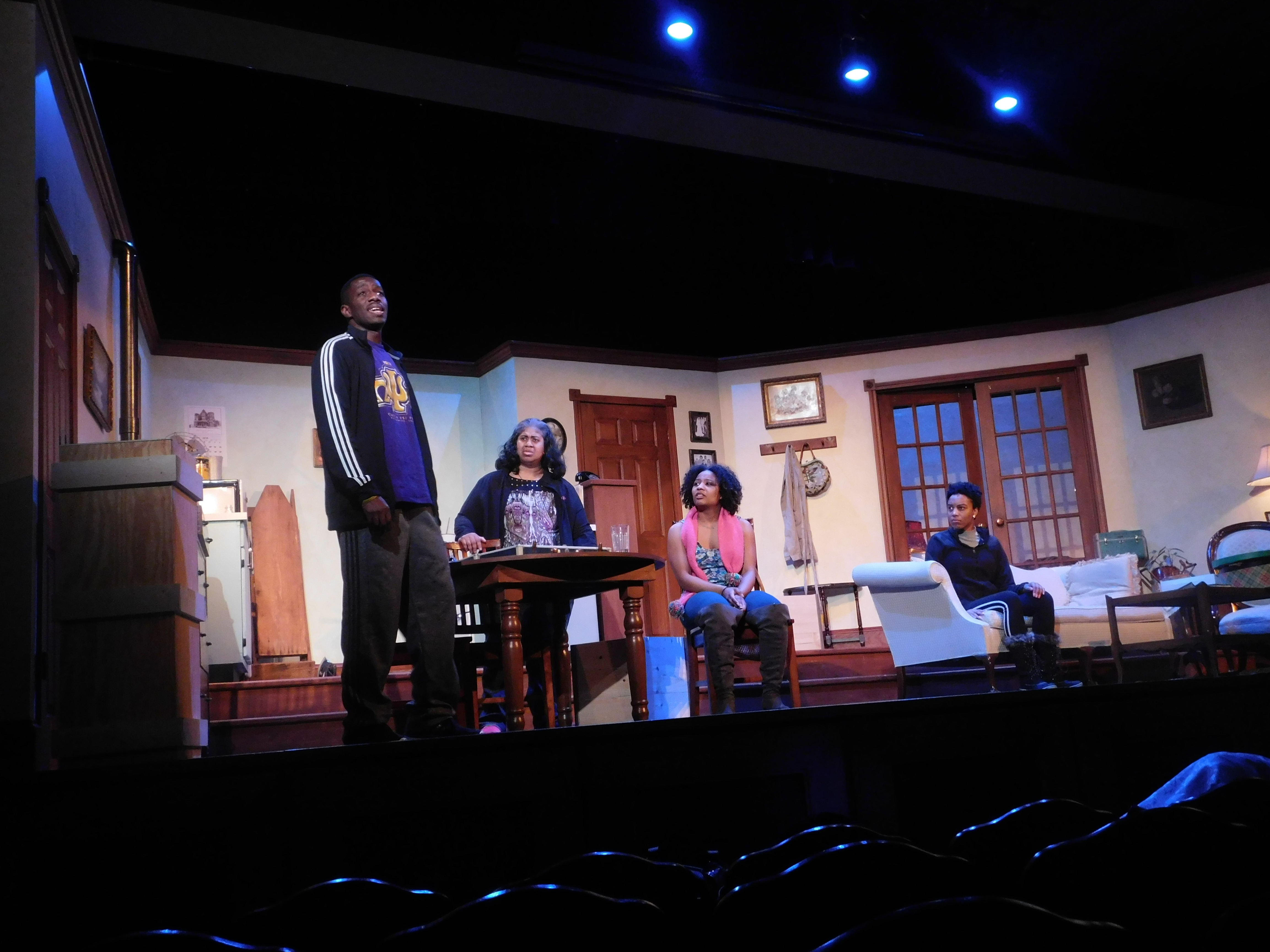 BWW Review: A New RAISIN IN THE SUN Is Set to Explode