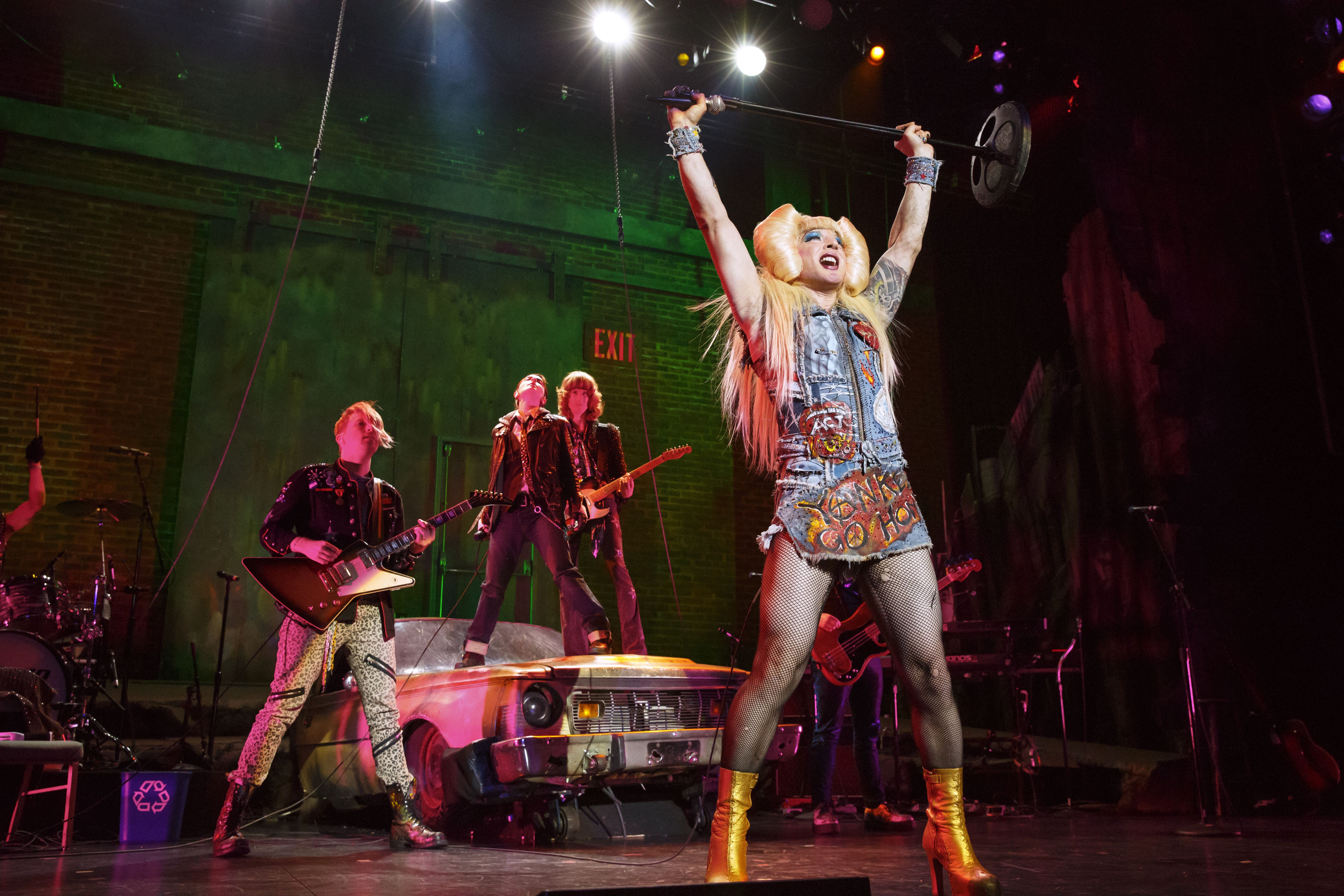 BWW Review: HEDWIG AND THE ANGRY ITCH at Fisher Theatre is a Definite Must-Have Experience!