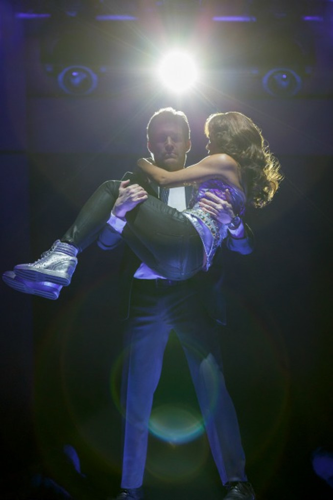 BWW Review: THE BODYGUARD at the Hippodrome Confounds Movie-Lovers