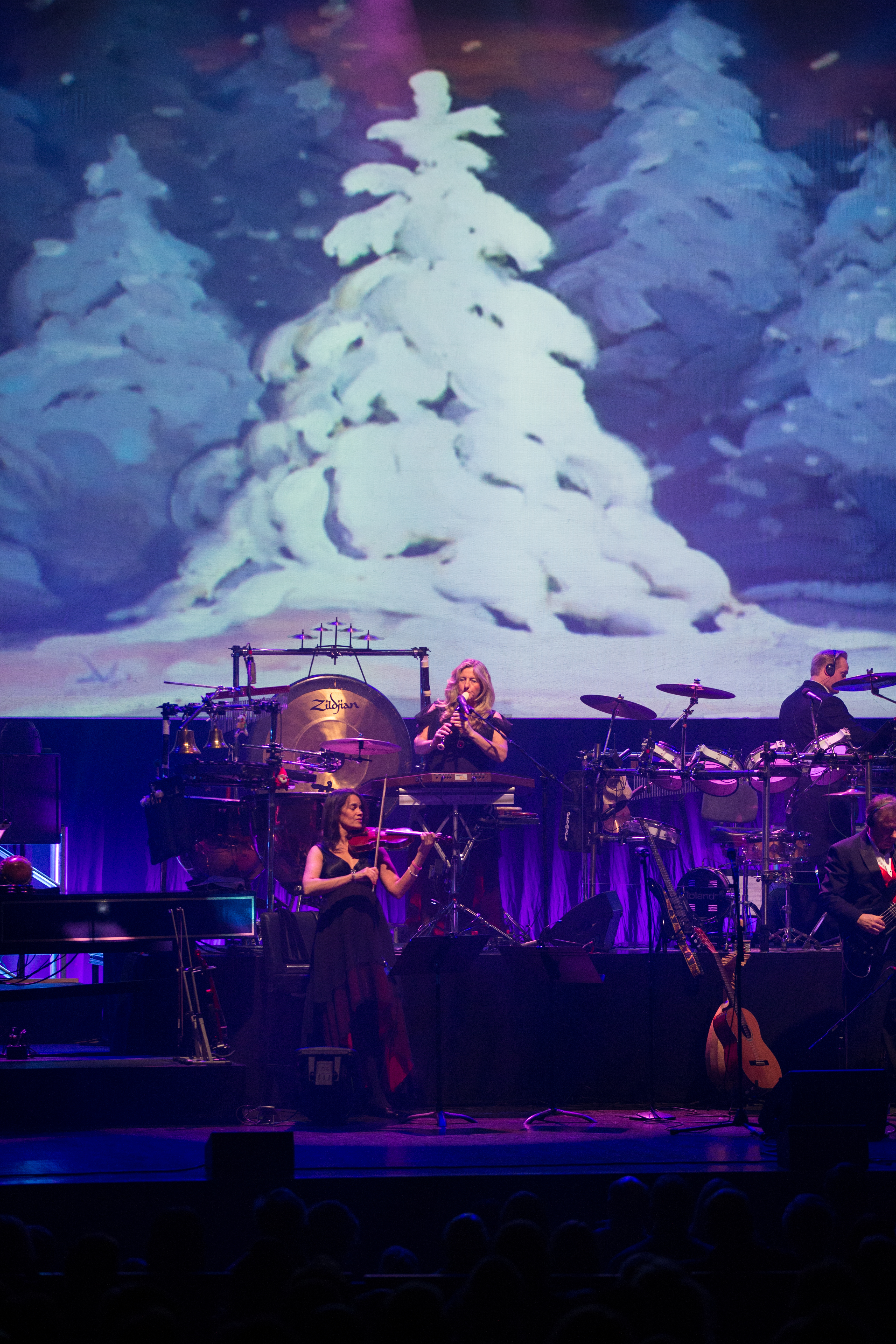 Review: MANNHEIM STEAMROLLER CHRISTMAS BY CHIP DAVIS at Overture ...