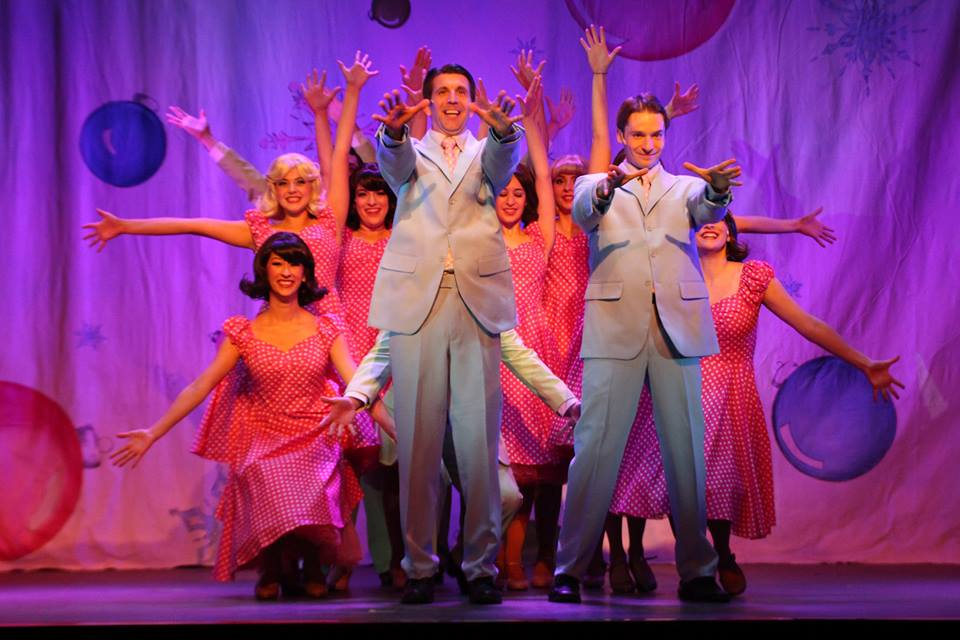 Review: WHITE CHRISTMAS at The Noel S. Ruiz Theatre
