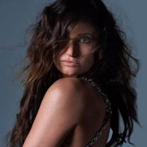 Idina Menzel Brings Tour to the Fabulous Fox Theatre in August