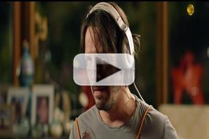 VIDEO: First Look - Keanu Reeves Stars in International Trailer for KNOCK KNOCK