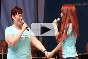 BWW TV: IT SHOULDA BEEN YOU's Sierra Boggess and Lisa Howard Make Shubert Alley Perfect!