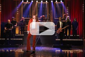 VIDEO: Florence + the Machine Performs 'Ship to Wreck' on TONIGHT