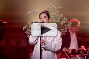 VIDEO: Lorde Performs 'Perfect Places' on TONIGHT SHOW
