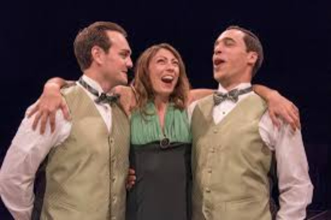 BWW Review: STRONG CAST MAKES FOR SUPERB 'DESIGN FOR LIVING' at IRISH CLASSICAL THEATRE
