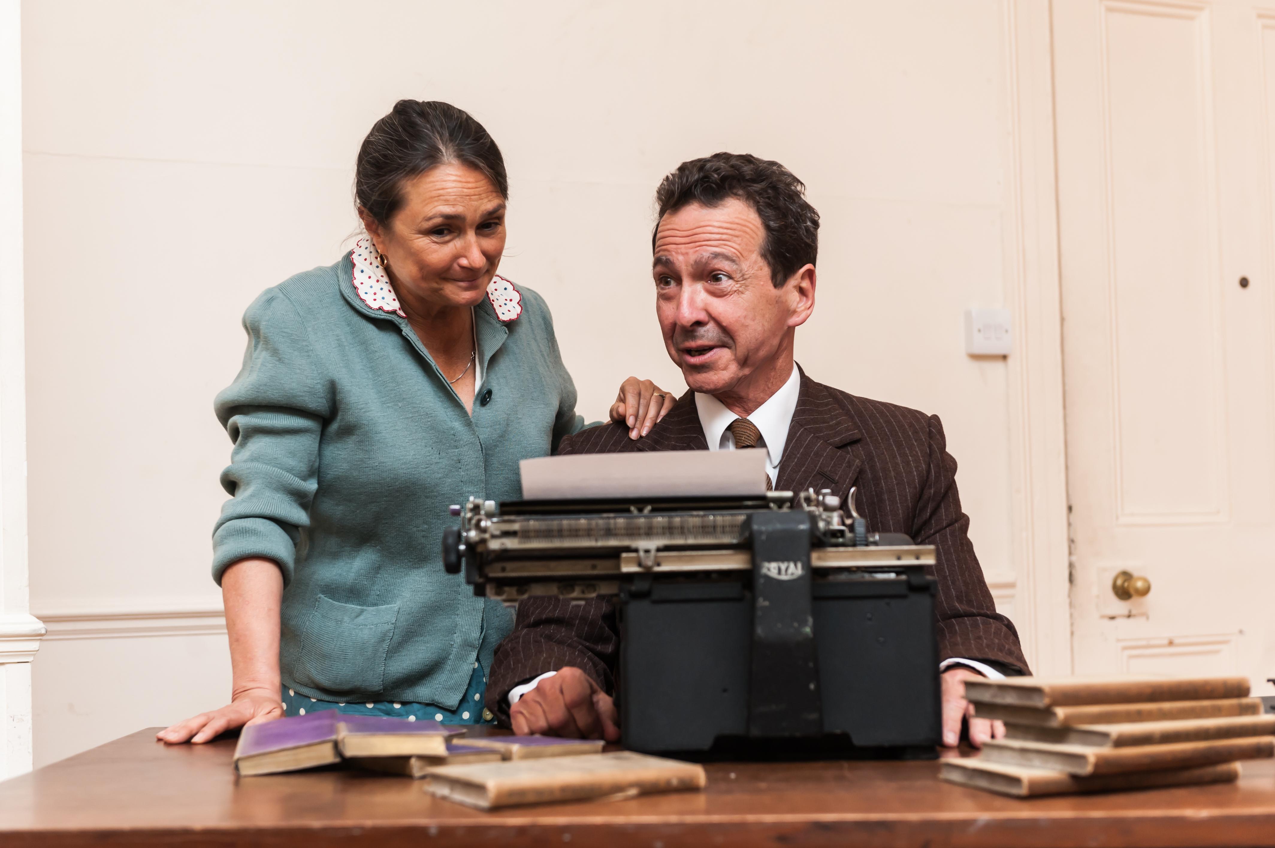 BWW Review: MR GILLIE, Finborough Theatre