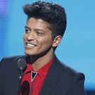 Bruno Mars to be Honored with 'Visionary Award' at TEEN CHOICE 2017