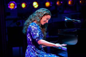 BEAUTIFUL - THE CAROLE KING MUSICAL Starring Toronto's Chilina Kennedy Begins Performances Today at the Ed Mirvish Theatre