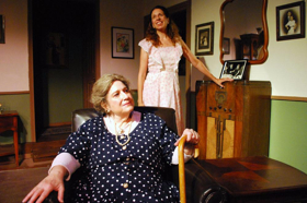 BWW Review: GROUP rep Knocks LOST IN YONKERS Out of the Park