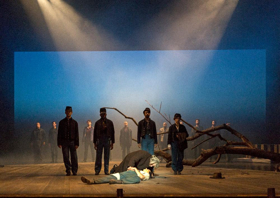 BWW Review: Aucoin's CROSSING at BAM's New Wave Festival Hears America Singing and Crying