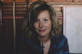 Americana Singer Songwriter Hope Dunbar to Release 'Three Black Crows' in October