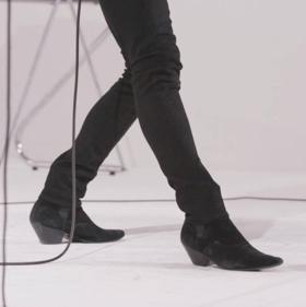 King Leg's Debut Album MEET KING LEG To Be Released on October 20