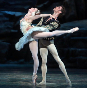 Ballet's James Whiteside is White Hot and Coming to a City Near You This Summer