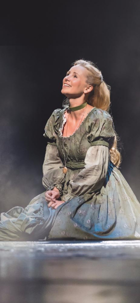 BWW Interview: Carley Stenson On Playing Fantine In LES MISERABLES