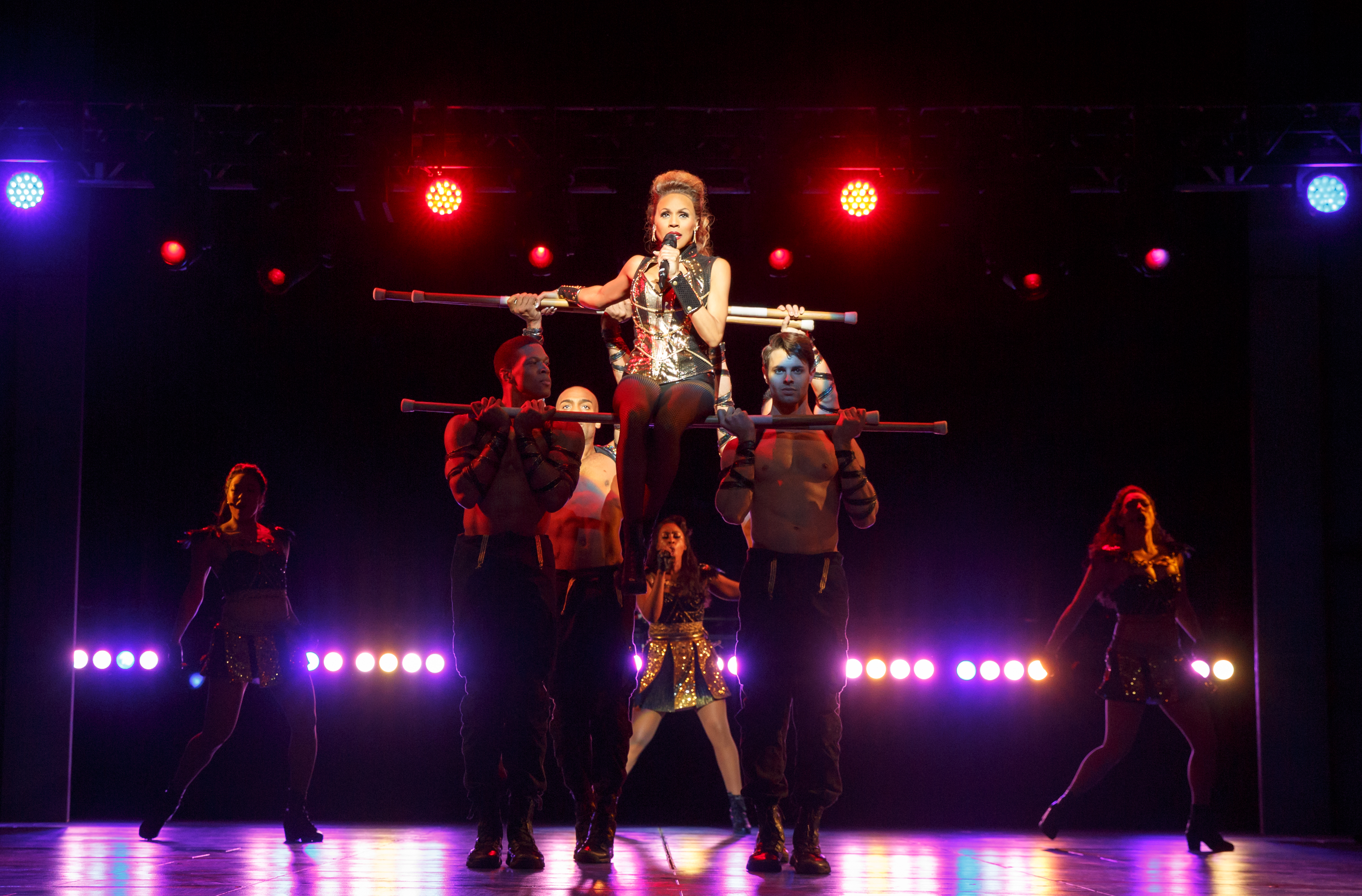 BWW Review: THE BODYGUARD National Tour at Dallas Summer Musicals
