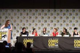 Syfy's Time-Travel Thriller 12 MONKEYS Splinters to San Diego Comic-Con