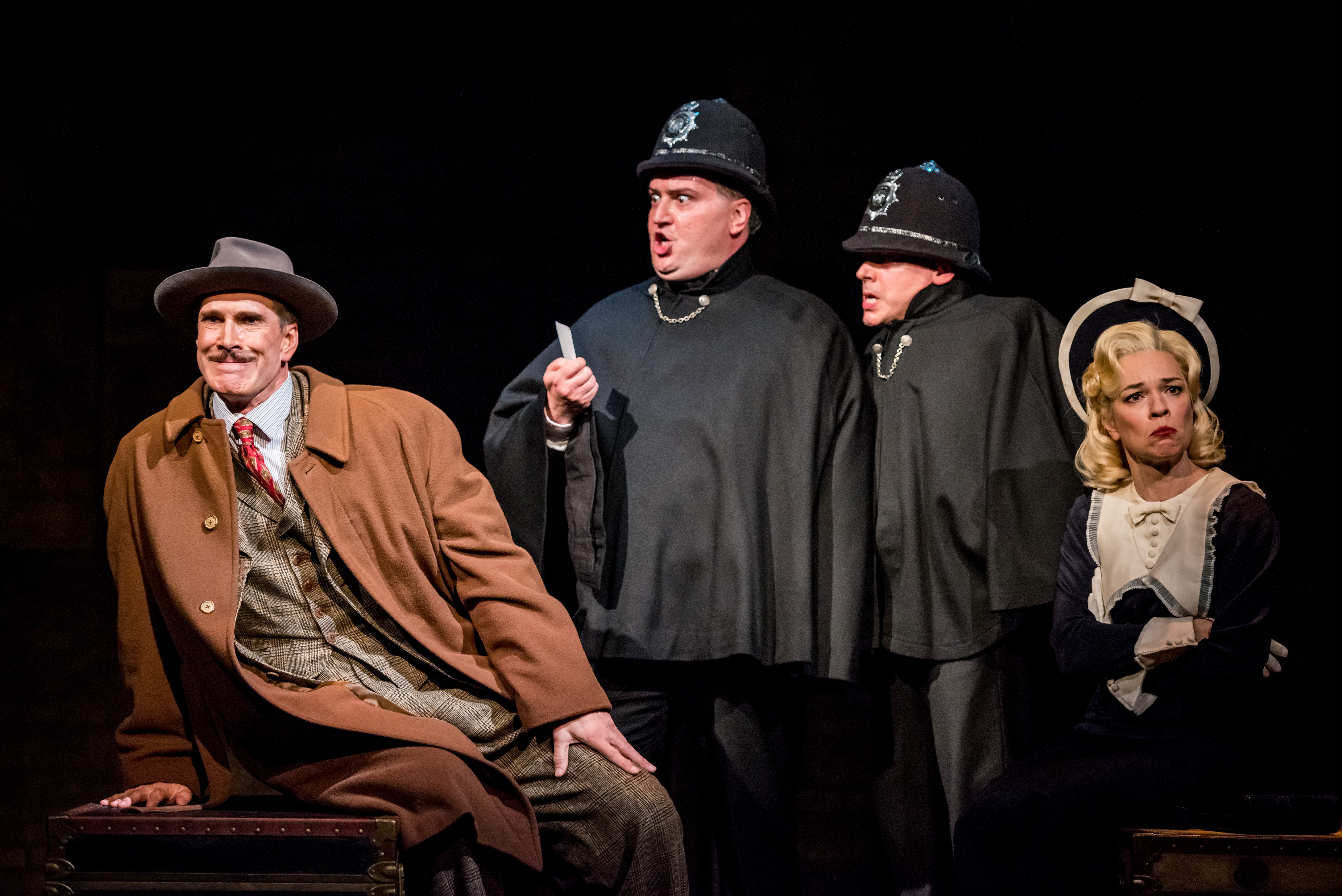 BWW Review: Summer Audiences Can Chill Out  With Hitchcock's THE 39 STEPS at the Alley Theatre