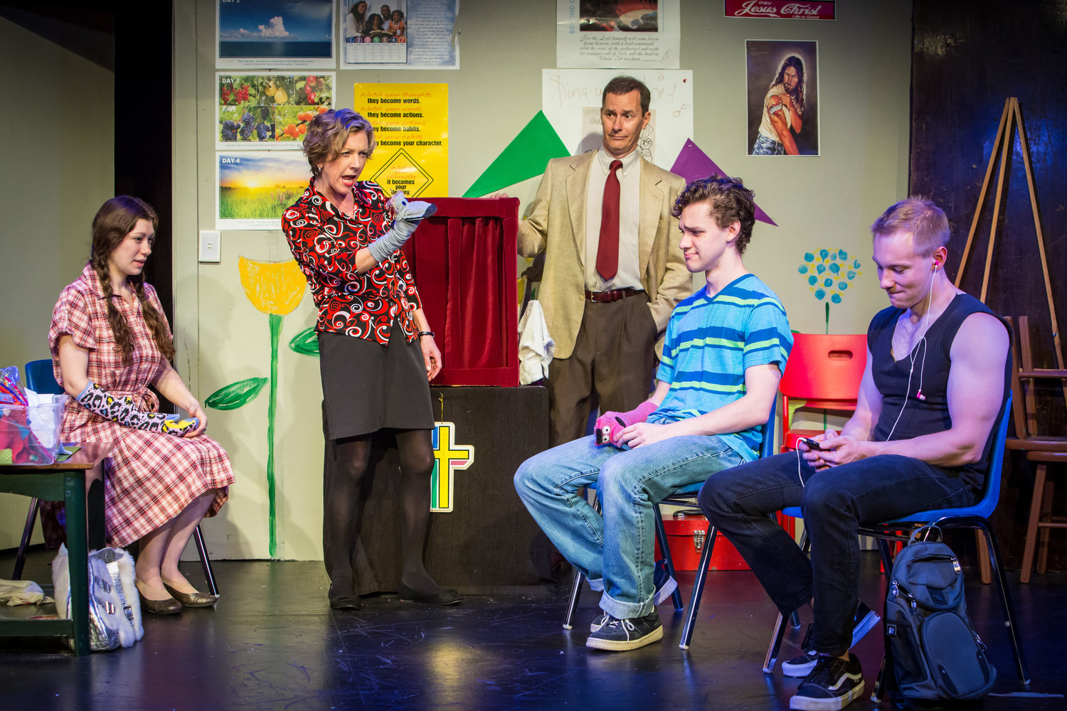 Review Roundup: HAND TO GOD at Triangle Theatre