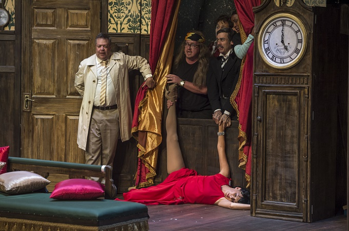 THE PLAY THAT GOES WRONG Returns to Pieter Toerien's Montecasino Theatre in South Africa for Encore Season