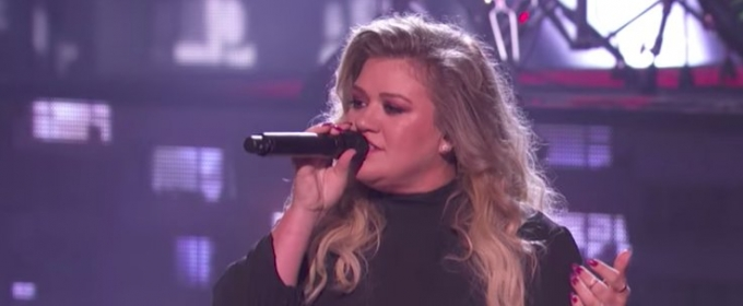 VIDEO: Kelly Clarkson Performs 'Love So Soft' on AMERICA'S GOT TALENT Finale