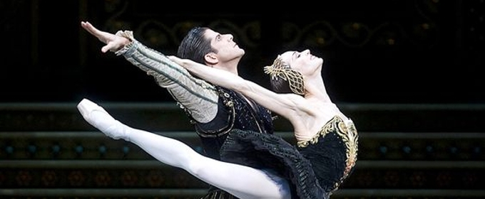 BWW Review: American Ballet Theatre's SWAN LAKE is a Swimming Success