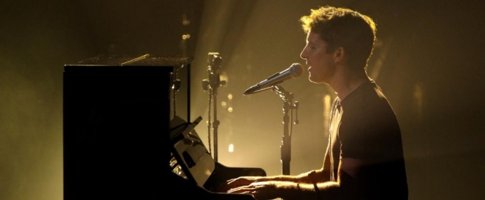 VIDEO: James Blunt Performs 'OK' on LATE LATE SHOW