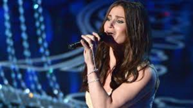 BWW Review: Idina Menzel in Concert at Jacobs Pavilion