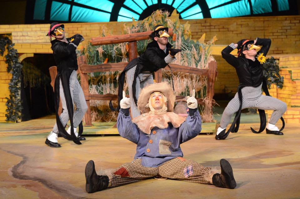 BWW Review: THE WIZARD OF OZ Familiar Fun For The Whole Family