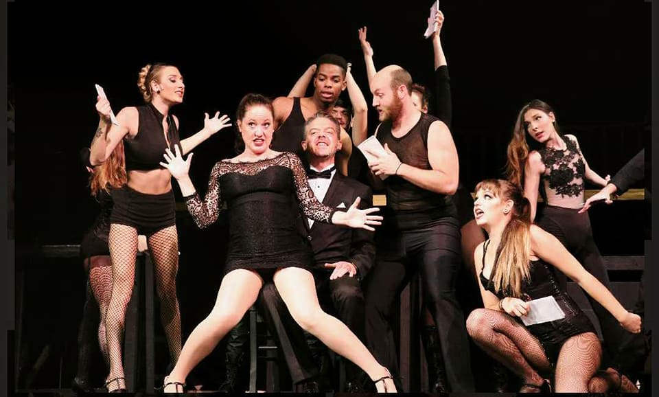 BWW Review: CHICAGO at Apollo Civic Theatre