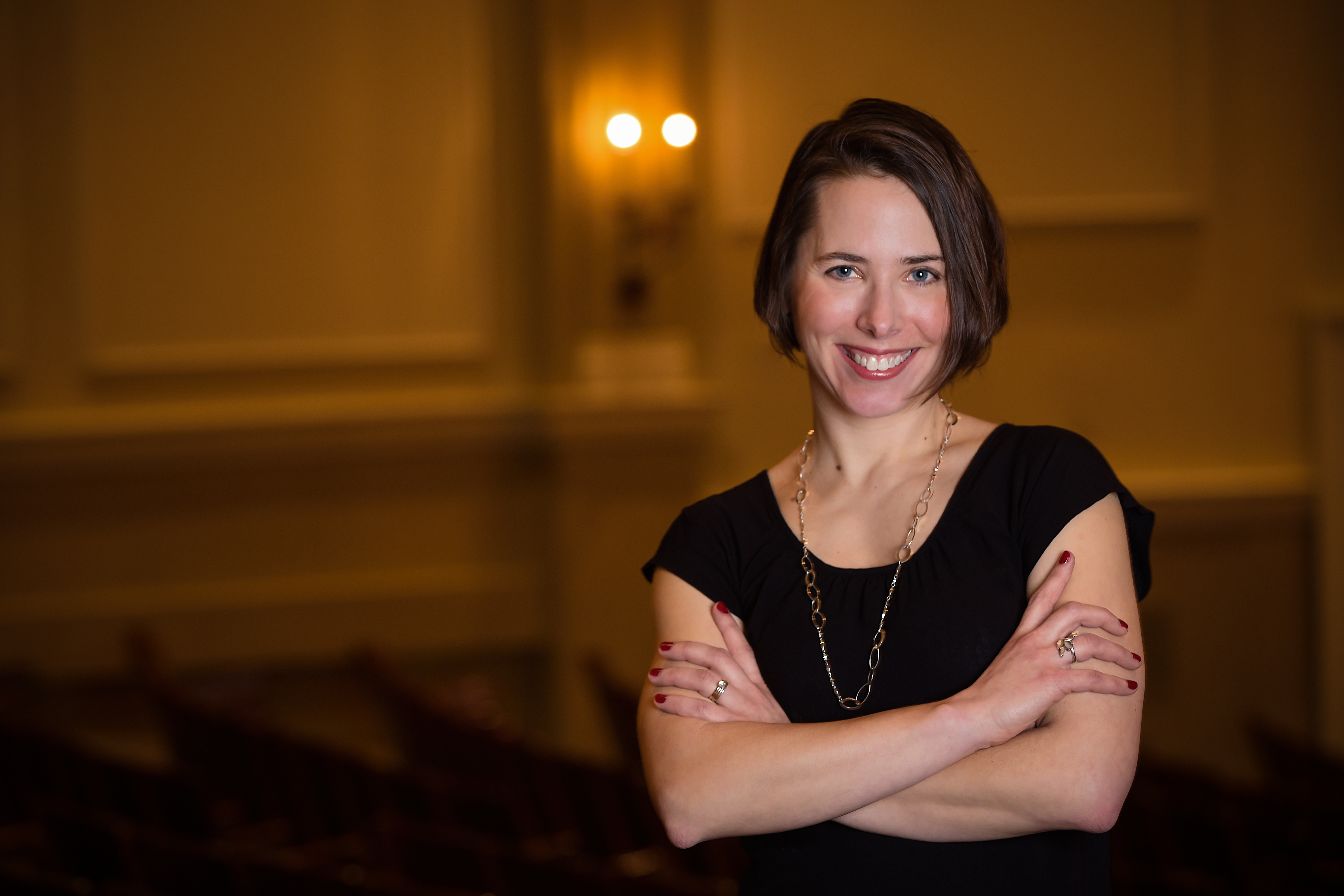 BWW Interview: Kristina Riggle, author of Broadway-themed novel VIVIAN IN RED