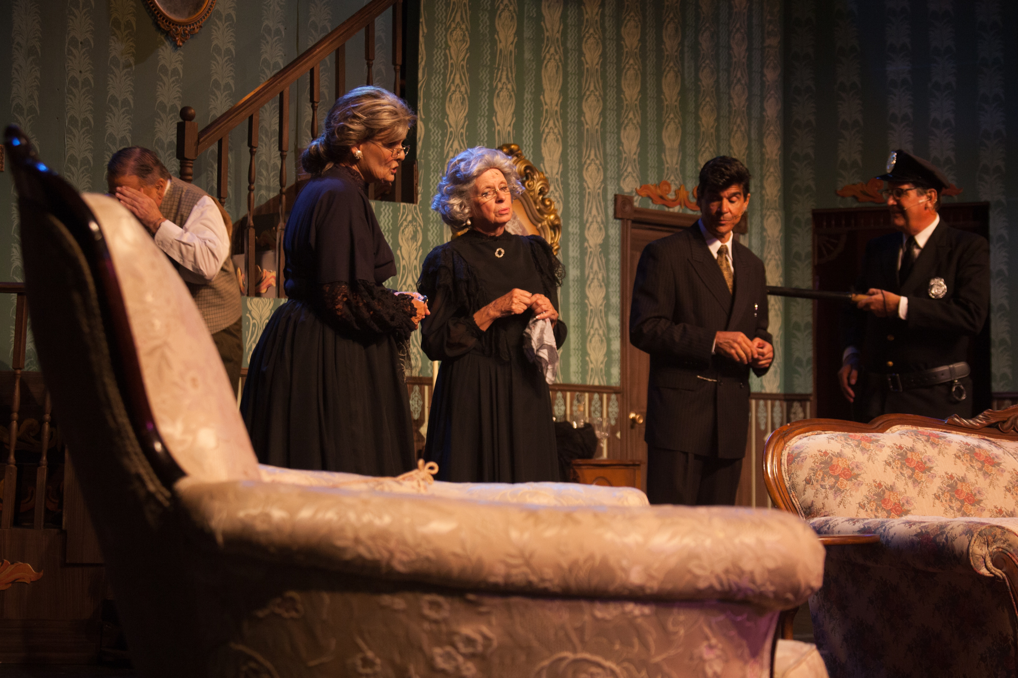 BWW Review: ARSENIC AND OLD LACE at The Players Centre For The Performing Arts