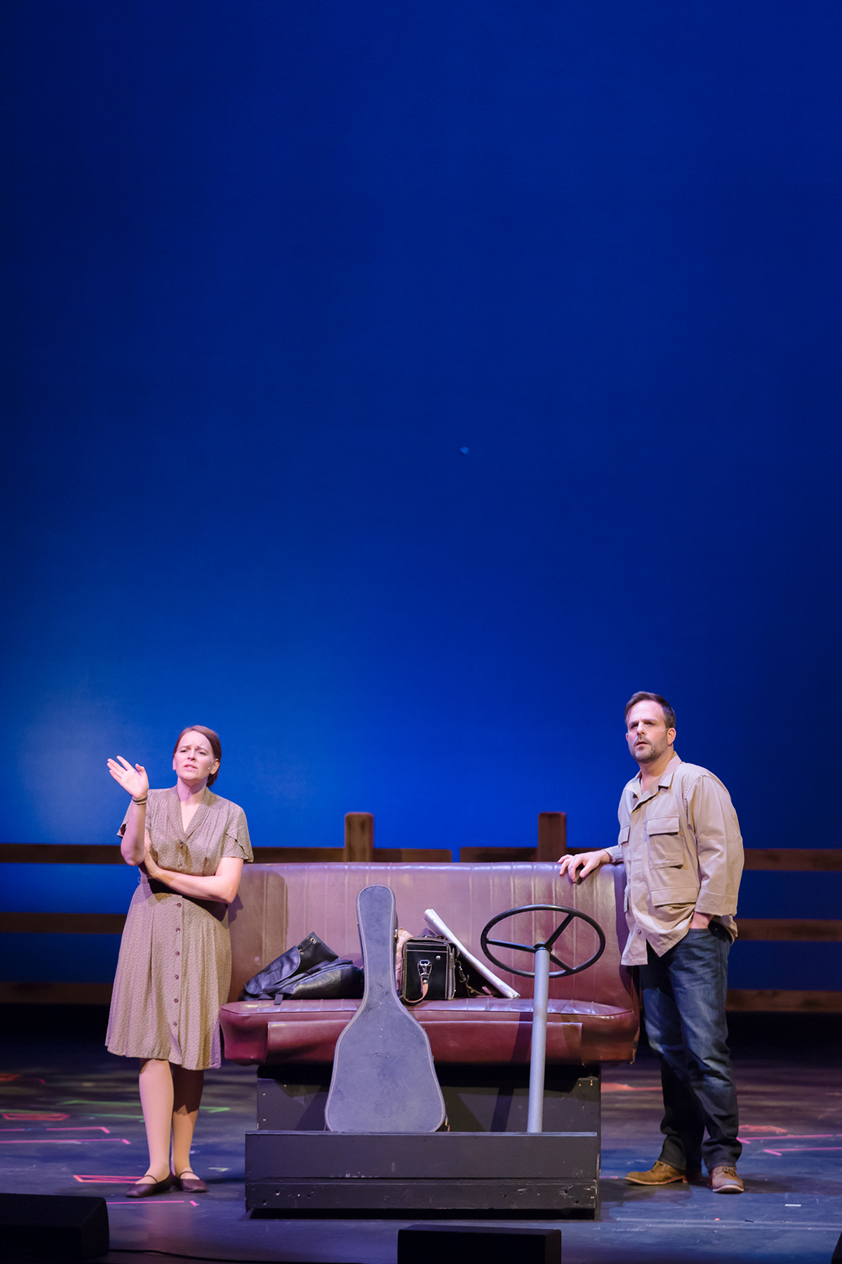 BWW Review: Family and Romance Tug at an Iowa Housewife in MADISON COUNTY