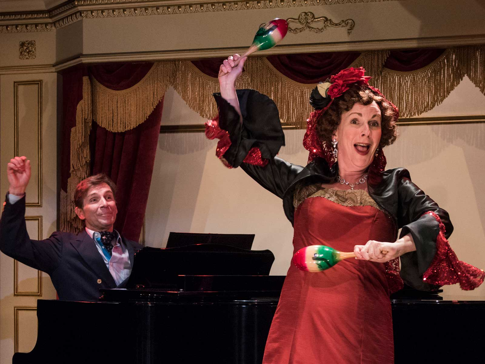 BWW Review: SOUVENIR Delights at Milwaukee Repertory Theater