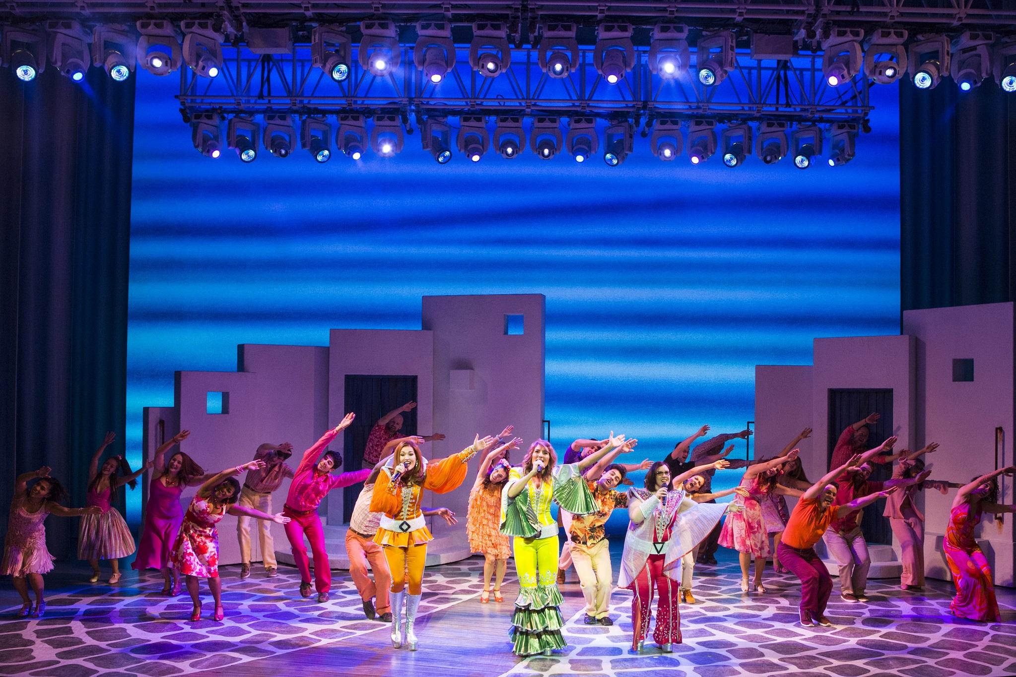 BWW Review: MAMMA MIA at Altria Theater