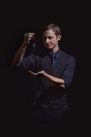 Stuart Lightbody's Breathtaking New Show UNIQUE WONDERS Closes at Alexander Upstairs Theatre