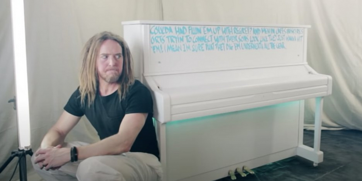 VIDEO: Tim Minchin Releases Music Video For New Song 'Airport Piano'
