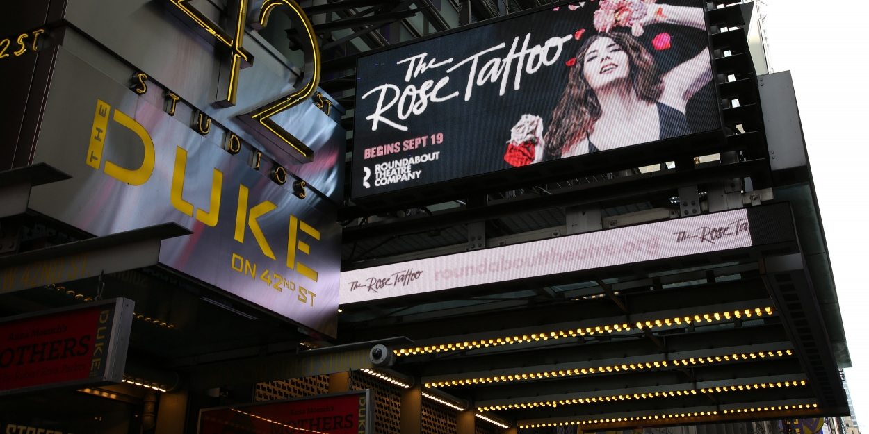 BWW TV: Watch Broadway Walk the Red Carpet on Opening Night of THE ROSE TATTOO; Live at 6pm!