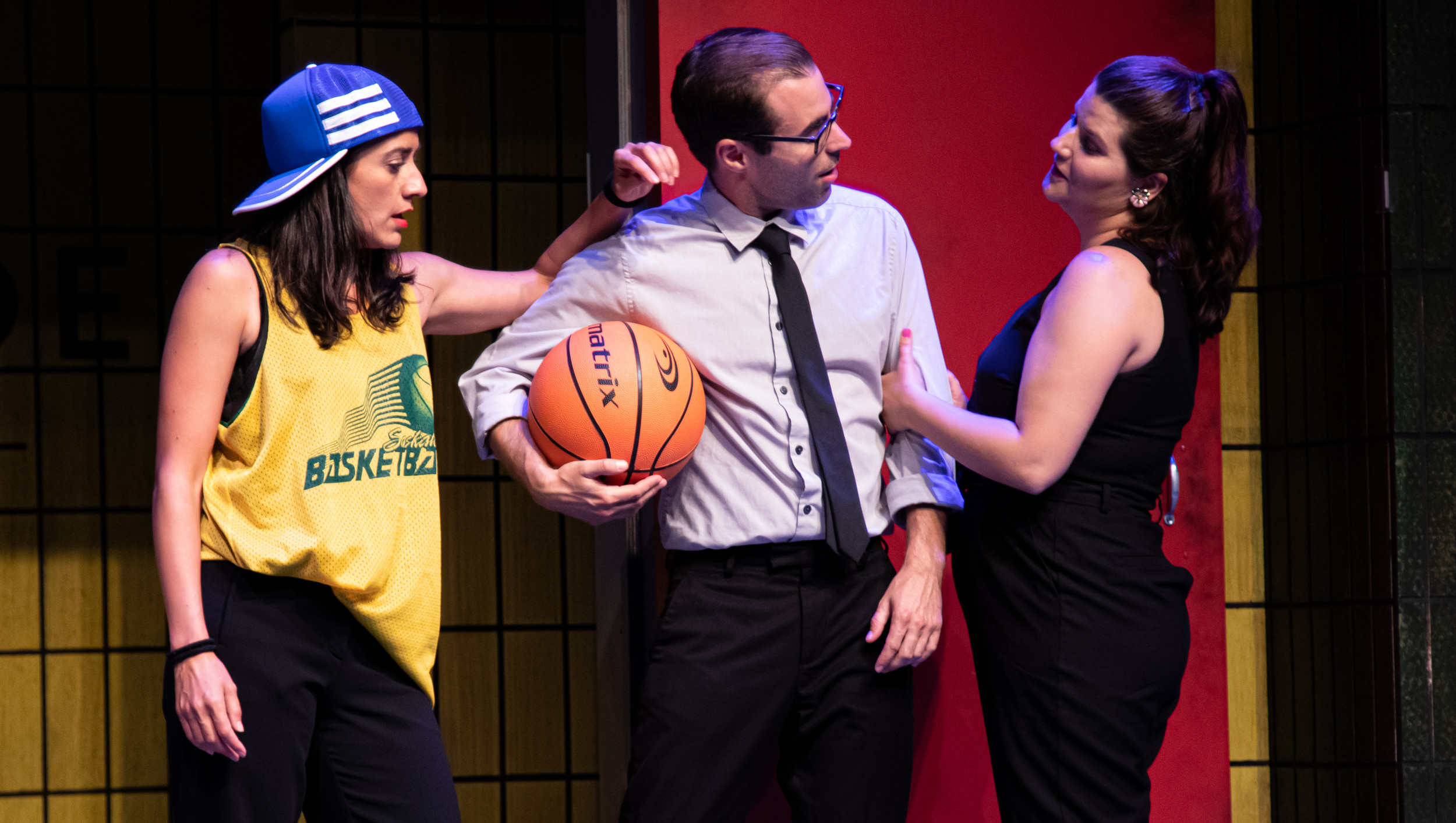 BWW Review: Unique Ensemble Makes TAKE ME OUT TO THE IMPROV Ridiculously Fun