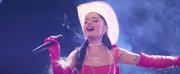 VIDEO: Ariana Grande & Kelly Clarkson Perform Respect