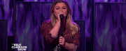 VIDEO: Kelly Clarkson Covers You Get What You Give Photo