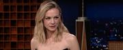 VIDEO: Carey Mulligans Mother Gave Her a Strange Pre-Oscars Gift Photo