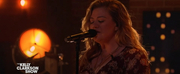 VIDEO: Kelly Clarkson Covers Unchained Melody Photo