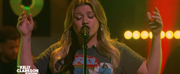VIDEO: Kelly Clarkson Covers Dont Take The Money Photo