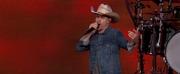 VIDEO: Watch Dustin Lynch Perform \